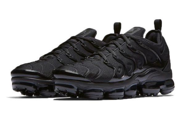 Nike Air VaporMax Plus Black черные (35-44)