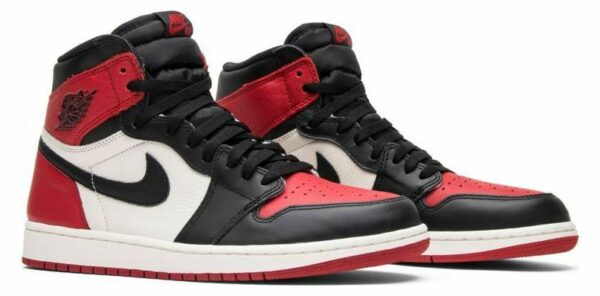 Nike Air Jordan 1 красно-черные (35-45)