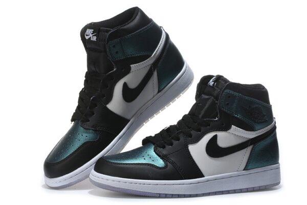 Мятные кожаные кроссовки