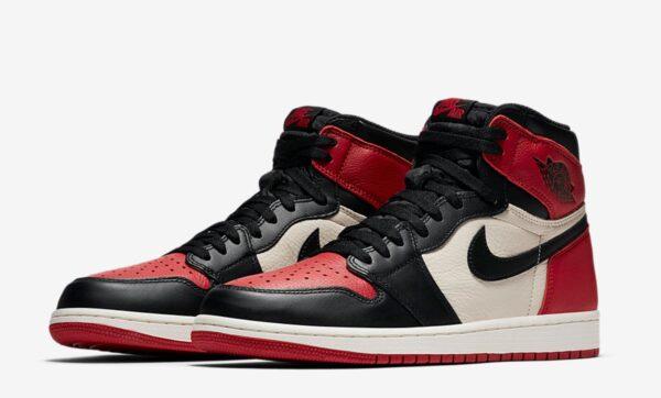 Зимние Nike Air Jordan 1 с мехом красно-черные с белым кожаные мужские-женские (35-44)